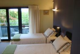 King/Twin Room - Bedroom
